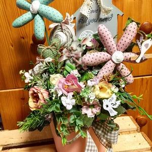 Asztaldísz textilvirágokkal nyuszival, libával, Otthon & Lakás, Dekoráció, Asztaldísz, Keramia kaspoban textilviragok, termesek, selyemviragok között egy nyuszi es egy liba, Meska