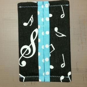 Papírzsebkendő tartó - zenekedvelőknek, Táska & Tok, Pénztárca & Más tok, Zsebkendőtartó, Varrás, Tavaszi kiárusítás!\n\nLegyen a te táskádban is egy ilyen apróság.\n\nNáthás időszakban a textil zsebken..., Meska