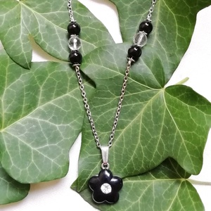 AKCIÓ - Virágos ásvány nyaklánc fekete ónix és hegyikristály gyöngyökkel, féldrágakő ásvány nyaklánc, Ékszer, Nyaklánc, 2500 helyett 2100 Ft, 07.31-ig. Ezüst színű ásvány gyöngyös nyaklánc 8mm-es természetes fekete ónix ..., Meska