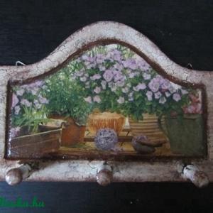 Levendulás akasztós tábla, Otthon & Lakás, Fogas, Bútor, 24 x 15 cm táblácska  konyhába, előszobába. Szép fényesre lakkozva, , Meska