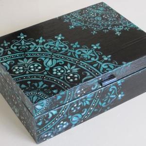 Mandala feketén,  kék-fehérben , Otthon & lakás, Dekoráció, Lakberendezés, Konyhafelszerelés, 12 rekeszes fa dobozt festettem :)  Ékszer tárolásra, teásdoboznak, de esküvőre nászajándékot is teh..., Meska
