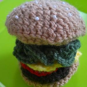 kis horgolt hamburger, Otthon & Lakás, Dekoráció, Asztaldísz, Horgolás, Meska