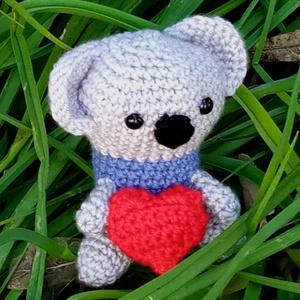 aranyos horgolt koala maci szívecskével, Játék & Gyerek, Maci, Plüssállat & Játékfigura, Horgolás, Meska