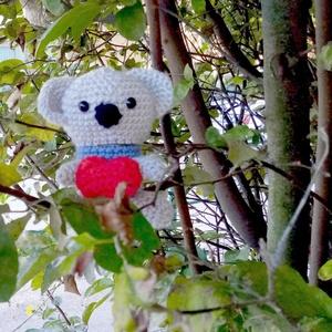 aranyos horgolt koala maci szívecskével - Meska.hu