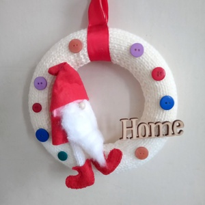 Sweet home koszorú, ajtódísz piros manóval, Otthon & Lakás, Dekoráció, Ajtódísz & Kopogtató, Mindenmás, Kötés, Meska