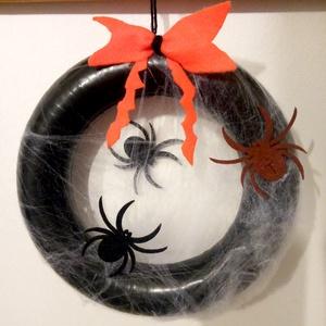 Halloweeni kopogtató, ajtódísz pókhálóval - Meska.hu