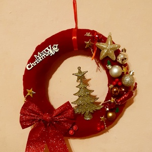 Karácsonyi kopogtató, Karácsony & Mikulás, Karácsonyi kopogtató, Mindenmás, Egyedi karácsonyi ajtódísz. \n25 cm-es szalmakoszorú az alapja., Meska