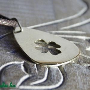 Gitár pengető -szerencse lóhere kivágással alpakkából -  Szerencsét hozó ajándék (amuletta) - Meska.hu