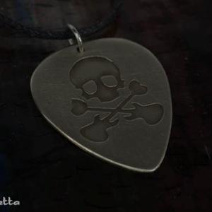 Koponya alpakka gitárpengető medál -gitárpengető nyaklánc (amuletta) - Meska.hu