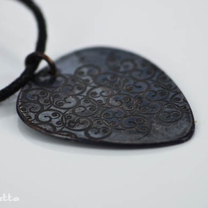 Inda -  maratott gitár pengető  - vörösréz gitár pengető - fiúknak is (amuletta) - Meska.hu