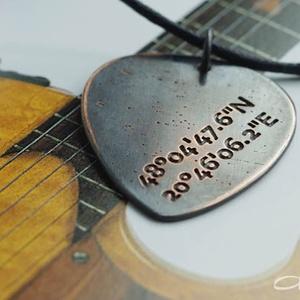 Saját GPS koordinátás fém gitár pengető nyaklánc- fiúknak is (amuletta) - Meska.hu