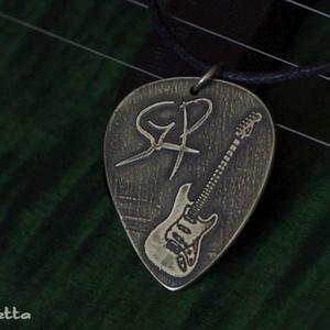 EGYEDI gitárpengető nyaklánc - ajándék gitárosoknak - gitáros idézetek (amuletta) - Meska.hu