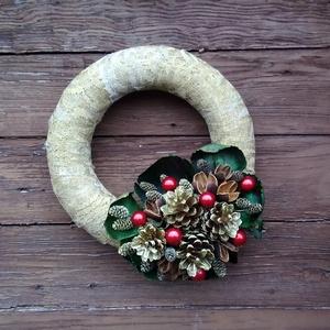Karácsonyi ajtódísz, Otthon & Lakás, Karácsony & Mikulás, Karácsonyi kopogtató, Virágkötés, A szalma koszorúalapot arany színűre festett csipkével tekertem körbe, erre készítettem a díszítést ..., Meska