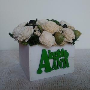 Zöld-fehér virágdoboz 'A legjobb anya' felirattal (Anahana) - Meska.hu