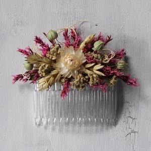 Hajdísz rózsaszín és krémszínű szárazvirágokból, Esküvő, Hajdísz, Fésűs hajdísz, Virágkötés, Hajdísz menyasszonyoknak, koszorúslányoknak. Műanyag hajfésűre készült szárazvirágokból és termésekb..., Meska