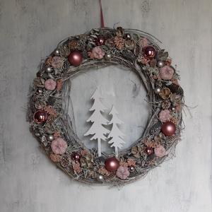 Karácsonyi kopogtató rózsaszín-ezüst gömbökkel - Meska.hu