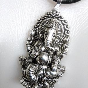 Bőrnyaklánc férfiaknak - Buddha elefánt  , Ékszer, Nyaklánc, Férfiaknak, Ékszerkészítés, Bőrművesség, 3 mm vastag hengerelt marhabőrszálból készült \n nyaklánc.\nNem csak férfiaknak,bevállalósabb hölgynek..., Meska