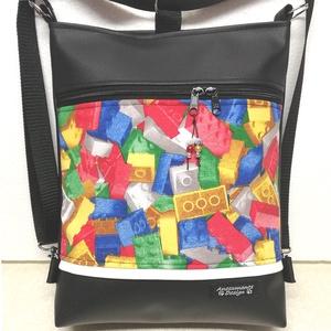 Lego mintás 3in1 női hátizsák oldaltáska , Táska & Tok, Variálható táska, Fekete textilbőrből, valamint erős lego mintás vászonból készítettem ezt a többfunkciós táskát. A vá..., Meska