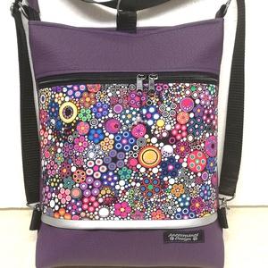 3in1 női hátizsák oldaltáska csini lila buborékos, Táska & Tok, Variálható táska, Varrás, Pasztell lila textilbőrből,valamint amerikai pamutból készítettem ezt az úgymond 3in1 táskát.\nLehet ..., Meska