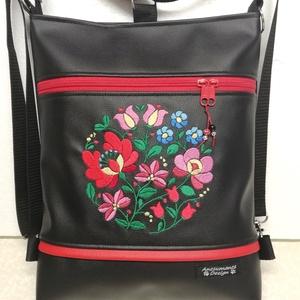 Hímzett matyó motívumos 3in1 hátizsák univerzális táska, Táska, Divat & Szépség, Táska, Válltáska, oldaltáska, Hátizsák, Magyar motívumokkal, Varrás, Hímzés, Fekete textilbőrből készítettem ezt az úgymond 3in1 táskát.\nElejét színes matyó mutívum díszíti,mely..., Meska