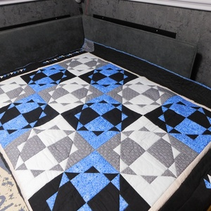 Patchwork ágytakaró + 2 db párna , Otthon & Lakás, Lakástextil, Ágytakaró, Patchwork, foltvarrás, 140 cm X 200 cm-es ágyra készült ágytakaró, a képeken is ekkora ágyra terítettem ki. Két oldalt és a..., Meska