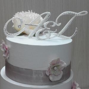Esküvői tortaékszer szett, Esküvő, Esküvői dekoráció, Esküvői ékszer, Nászajándék, Ékszerkészítés, Esküvői tortaékszer szett (2 betű, 1 & jel)  Választható: gyöngy-kristállyal vagy csak krisztállyal..., Meska