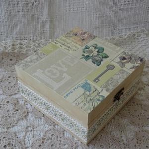 Vintage doboz pasztellben, szeretettel ( kincseknek...), Dekoráció, Otthon & lakás, Lakberendezés, Tárolóeszköz, Festett tárgyak, Decoupage, transzfer és szalvétatechnika, Visszafogott bézs árnyalatú dobozt készítettem,rusztikus festéssel és decopage technikával.Valamint ..., Meska