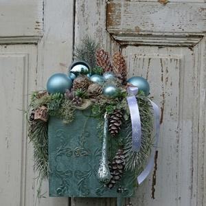 Adventi elegancia ajtódísz, Otthon & Lakás, Karácsony & Mikulás, Karácsonyi kopogtató, Festett tárgyak, Virágkötés, Már régóta szerettem volna elkészíteni ezt a teljesen egyedi ajtó díszt, illetve  fali díszt.\n3 d mi..., Meska