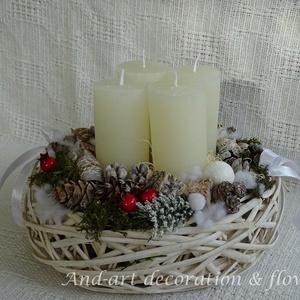 Adventi koszorú másképp., Karácsony & Mikulás, Adventi koszorú, Virágkötés, Egy 25 cm átmérőjű kosárba készítettem el, ezt a természetes színvilágú asztali adventi koszorút.\nAj..., Meska