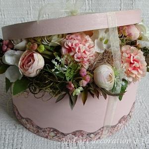 Elegáns virágdoboz a különleges alkalmakra...Valentin Nap, Esküvő, szülőköszöntő, anyák napja,születés. (Andartdecoration) - Meska.hu
