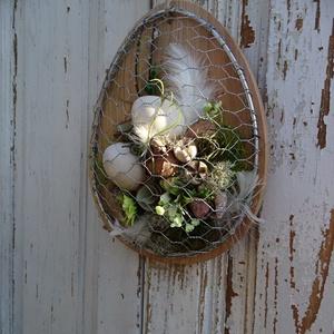 Modern ajtódísz, fali dísz. Tavaszi- húsvéti kopogtató And -art mód. LIMITÁLT., Otthon & Lakás, Dekoráció, Ajtódísz & Kopogtató, Famegmunkálás, Virágkötés, Minőségi 2 cm vastag tömör cseresznyefából készítettük ezt a modern fali díszt ,kopogtatót. Meghagyt..., Meska