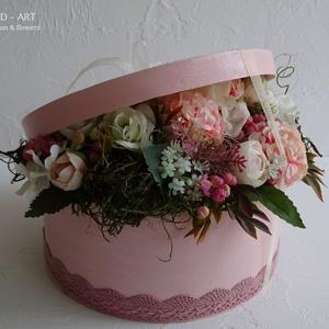 Elegáns virágdoboz a különleges alkalmakra... , Esküvő, szülőköszöntő, anyák napja,születés., Doboz, Emlék & Ajándék, Esküvő, Festett tárgyak, Virágkötés, Elegáns, egyedi, kézzel festett és 3 d mintával díszített háncs dobozt készítettem az igazán különle..., Meska