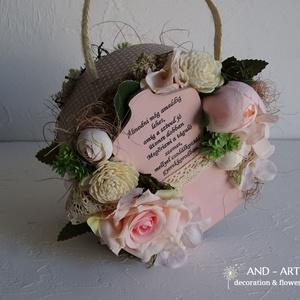 Ballagásra-Lánynak táskacsokor., Otthon & Lakás, Dekoráció, Csokor & Virágdísz, Virágkötés, Mindenmás, Egyedi ballagási ajándék ez a tartós virágokból készített táska csokor. Mindkét oldala díszített. Tr..., Meska