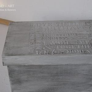 Emlékőrző- modern stílusban II., Doboz, Tárolás & Rendszerezés, Otthon & Lakás, Decoupage, transzfer és szalvétatechnika, Festett tárgyak, Egy levehető tetejű dobozt pácoltam, s a felírat elkészítése után festettem vízbázisú matt festékkel..., Meska