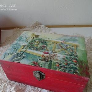 Mesés téli táj- tároló doboz, ajándékátadó., Otthon & Lakás, Karácsony & Mikulás, Karácsonyi dekoráció, Decoupage, transzfer és szalvétatechnika, Festett tárgyak, Többféle kreatív technikával készült ez a tároló doboz, várja a belevaló kincseket....\nMérete: 18 cm..., Meska