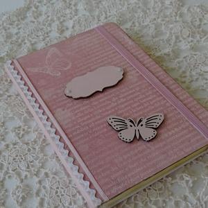Roses...Pillangós jegyzetfüzet., Jegyzetfüzet & Napló, Papír írószer, Otthon & Lakás, Decoupage, transzfer és szalvétatechnika, Festett tárgyak, Kellemes pasztell jegyzetfüzet készült,kislányoknak és nagylányoknak.\nErkű színű vonalas lapokkal,.\n..., Meska