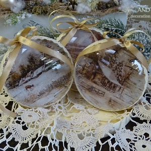 Vintage karácsonyfadísz. Választható mintával., Otthon & Lakás, Karácsony & Mikulás, Karácsonyfadísz, Decoupage, transzfer és szalvétatechnika, Festett tárgyak, Kellemes bézs-barna árnyalatú akril karácsonyfa készült. Különböző mintával.\nVálasztható.\nÁtmérője :..., Meska