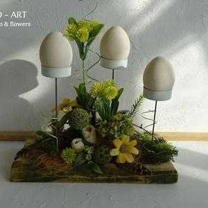 Modern tavaszi asztaldísz. And-art mód., Otthon & lakás, Dekoráció, Dísz, Lakberendezés, Asztaldísz, Virágkötés, Famegmunkálás, Különleges asztaldíszt készítettem cseresznye fa alapra, melyet a mohás hatás véget  zölddel festett..., Meska