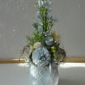Pasztell tavaszi otthon dísz., Otthon & lakás, Dekoráció, Ünnepi dekoráció, Húsvéti díszek, Lakberendezés, Asztaldísz, Virágkötés, Pasztell színárnyalatú bádog kaspókat díszítettem színben hozzáillő virágokkal termésekkel. Friss ta..., Meska