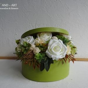 Virágdoboz a különleges alkalmakra...Esküvő, szülőköszöntő, anyák napja, születés., Szülőköszöntő ajándék, Emlék & Ajándék, Esküvő, Festett tárgyak, Virágkötés, Egyedi, kézzel festett és 3 d mintával díszített háncs dobozt készítettem az igazán különleges alkal..., Meska