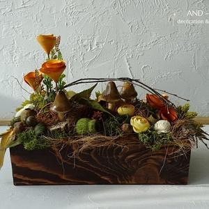 Őszi asztaldísz-természetesen, Otthon & lakás, Dekoráció, Dísz, Lakberendezés, Asztaldísz, Gyönyörű rajzolatos fa ládát díszítettem természetes őszi termésekkel, selyemvirággal, gombával. Kel..., Meska