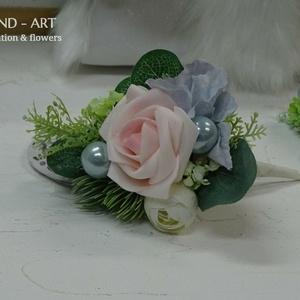 Vőlegény kitűző- esküvői kiegészítő., Esküvő, Kiegészítők, Kitűző, Virágkötés, Egyedi színvilágú vőlegénykitűző sötétebb öltönyökhöz ajánlom.\nKitűzőtűre készített habrózsával, hor..., Meska