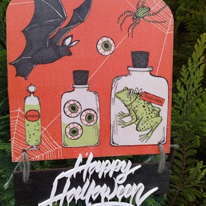 halloweeni ajtódísz- vegykonyha, Otthon & Lakás, Dekoráció, Ajtódísz & Kopogtató, Decoupage, transzfer és szalvétatechnika, Halloweeni ajtódísz , van itt minden: denevér, pók, béka, meg a szeme! Decoupage technikával készült..., Meska