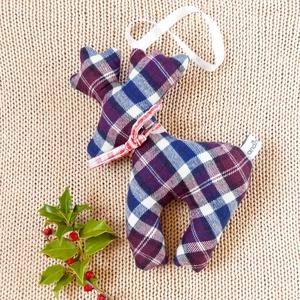 Rénszarvastéli lakásdísz - környezetbarát modern textilből kockás flanellből adventre, télre, Karácsonyi dekoráció, Karácsony & Mikulás, Otthon & Lakás, Varrás, Kék, bordó fehér rénszarvas flanellből karácsonyi díszítésre - ennek a terméknek a megvásárlásával a..., Meska
