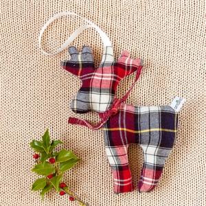 Skandináv stílusú piros fehér ünnepi lakásdísz - modern karácsonyfadísz kockás textilből fiús szobába, Karácsonyi dekoráció, Karácsony & Mikulás, Otthon & Lakás, Varrás, Piros, fehér, fekete kockás rénszarvas téli lakás díszítésre, karácsonyi ünnepvárásra - ennek a term..., Meska