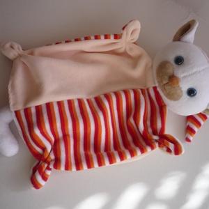 Cica rongyi(1), Játék & Gyerek, 3 éves kor alattiaknak, Alvóka & Rongyi, Baba-és bábkészítés, Varrás, A cica kiváló minőségű bébiplüssökből készült. Sok kézi aprólékos varrással alakítottam az arcát. Sz..., Meska