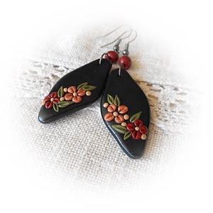 Virágzó elegancia - fülbevaló, Ékszer, Fülbevaló, Lógó fülbevaló, Ékszerkészítés, Gyurma, Egy igazán elegáns, nőies fülbevalót készítettem a napokban. Virágos, finom, visszafogott, ugyanakko..., Meska