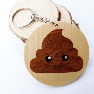 Barna puding krém kulcstartó/mágnes (Intarzia), Ékszer, Egyéb, Táska, Divat & Szépség, Kulcstartó, táskadísz, Famegmunkálás, Egyedi fa kulcstartók.\nMinden termékemet 100%-ig kézzel ill. egy szikével készítek. \nEz valóban egy ..., Meska
