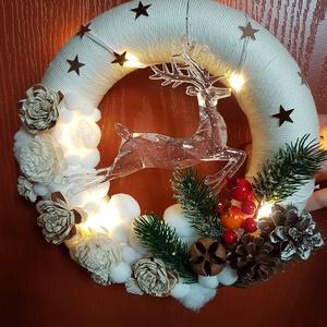 Karácsonyi ajtódísz, Karácsony, Karácsonyi dekoráció, Otthon & lakás, Dekoráció, Ünnepi dekoráció, Lakberendezés, Ajtódísz, kopogtató, Mindenmás, Karácsonyi ajtódísz. Hungarocell alapra készült, fonallal körbefont és termésekkel, csilagokkal, hav..., Meska
