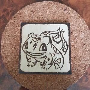 Fakép, Bulbasaur, Otthon & lakás, Dekoráció, Lakberendezés, Egyéb, Gravírozás, pirográfia, A képen látható termék egy kb 10 x 10 cm méretű falapra készült, Bulbasaur (az egyik pokémon) mintáj..., Meska
